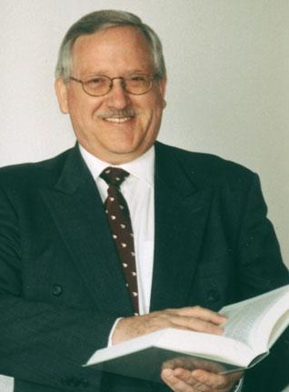 Neuhaus, Helmut